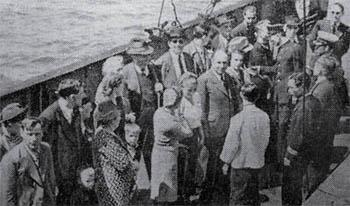 上陸を待つユダヤ難民たち