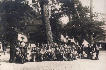 敦賀の松原での孤児たち